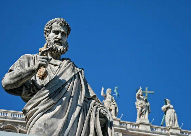 Statue de Saint-Pierre, Rome (crédit photo : Dominique Devroye / Pixabay)